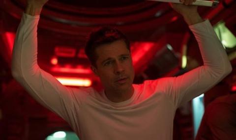 Brad-Pitt-as-Roy-McBride-in-Ad-Astra-1173361